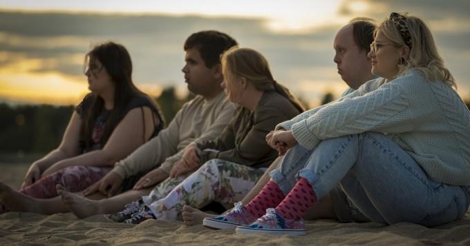 Viaplay aloittaa 11.9. uuden alkuperäissarjan Catwalk - perustuu samannimiseen elokuvaan