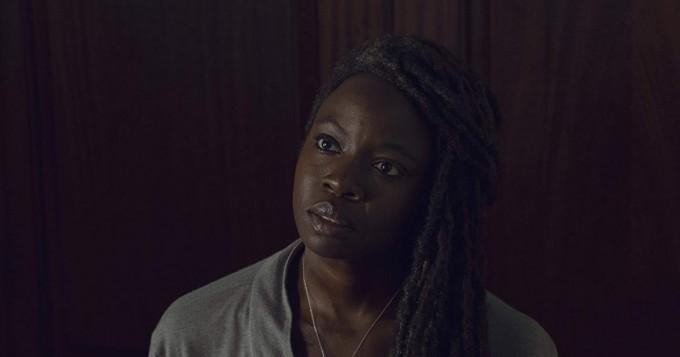 Mikä uhkea rintavako! The Walking Dead ja Black Panther -tähti Danai Gurira käänsi päät