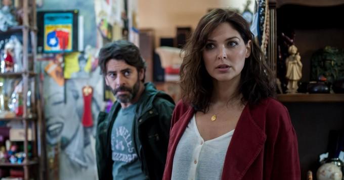Netflix aloitti uuden rikossarjan Ei piilopaikkaa - sairaanhoitaja pakenee aviomiehensä huumebisnesten vuoksi
