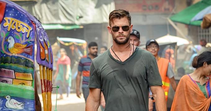 Netflix saalisti huippuleffan Extraction - Chris Hemsworth ja David Harbour tähdittävät, Avengers-miehet tuottavat