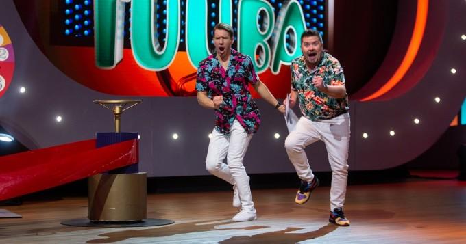 """Janne Kataja ja Aku Hirviniemi juontavat Suomen """"suurinta ja hulluinta gameshow'ta"""" - Game of Games Suomi starttaa 27.11."""