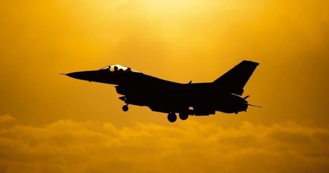Lentomekaanikko ampui vahingossa hävittäjän Vulcan-konetykillä - vakavat seuraukset