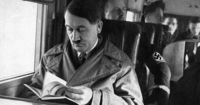 Liikuntajohtajan kommentit herättivät ihmetystä - ylisti Hitleriä