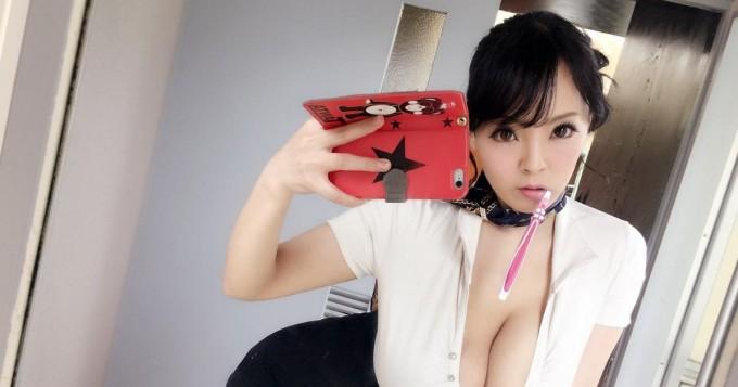 Wow, mitkä kurvit! Japanilainen Hitomi Tanaka ei jätä kylmäksi
