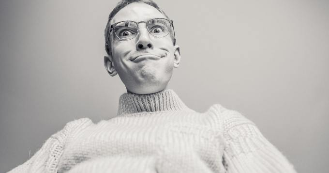 """Mies halusi """"siirtää"""" kiveksensä lasipurkkiin - tekijä löytyi netistä"""