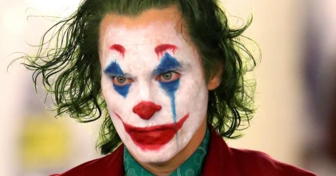 Tänään elokuvateattereissa Joker - Finnkino tiedottaa maski- ja leluasekiellosta