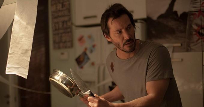 Tänään tv:stä: Knock Knock - Keanu Reeves tähdittää eroottista Eli Roth -trilleriä
