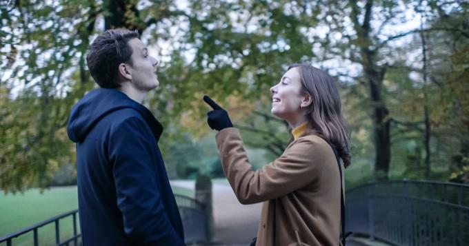 Yle Areena tarjoaa uuden draamakomediasarjan Kolmekymppiset