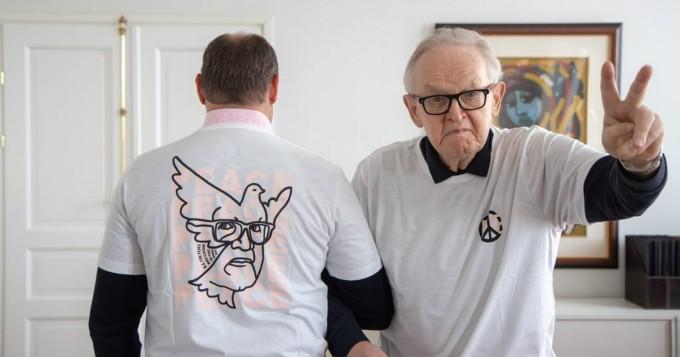 Vaatebrändi Makia ja Martti Ahtisaari yhteistyössä