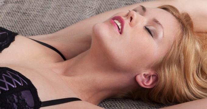 Naisen orgasmia tutkittiin - näin kauan hekuman huipun saavuttaminen keskimäärin kestää