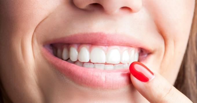 Herranen aika! Uusi keksintö voi mullistaa hampaiden pesun lopullisesti! Kiireiset ja laiskat kiittävät