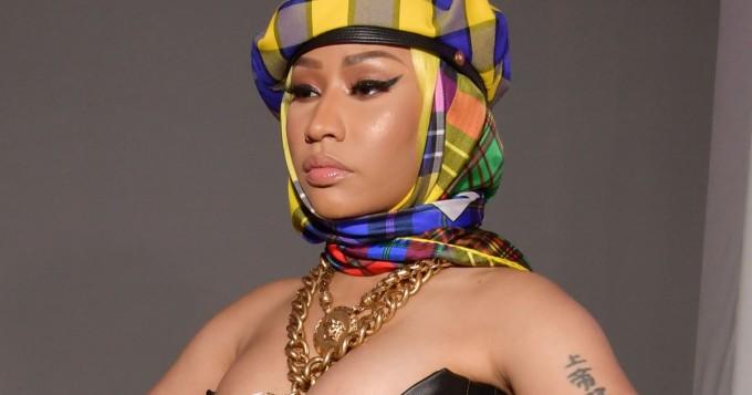 Nicki Minaj tempaisi taas - povi pursuilee valtoimenaan