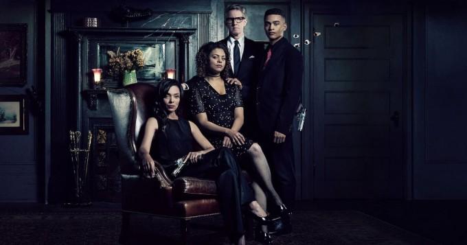 Netflix starttasi uuden fantasiakauhusarjan October Faction - Bones-tähti Tamara Taylor pääosassa