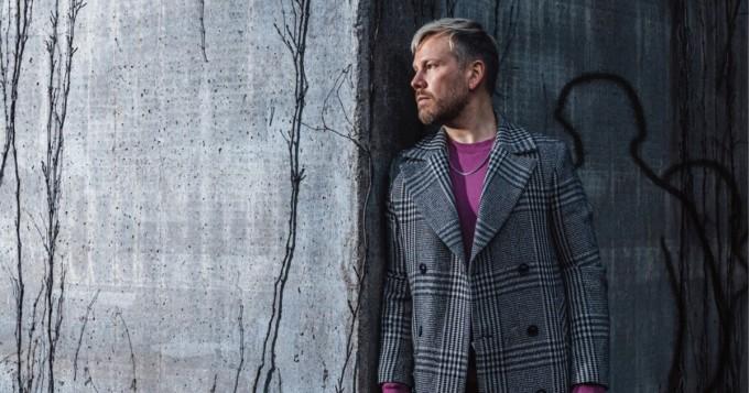 Multi-instrumentalisti Osmo Ikonen julkaisee tänään ensimmäisen suomenkielisen sooloalbuminsa  Yhden miehen armeija