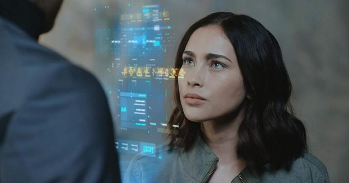Viaplay nyt: scifi-sarja Pandora alkoi - Priscilla Quintana ja Oliver Dench tähdittävät