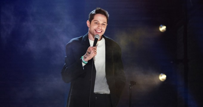 Netflix nyt: Pete Davidson sai stand up -spesiaalin Alive From New York
