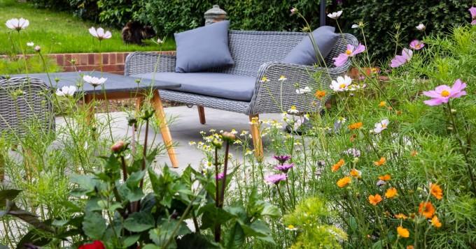 Viherympäristöliitto: Pihan kasvillisuus tuottaa muitakin hyötyjä kuin vihreyttä ja kauneutta