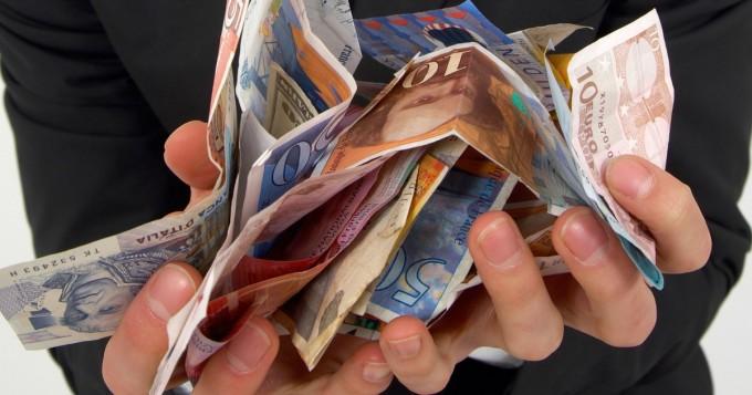 Moni nuori ensikertalainen on jäämässä elokuun veronpalautuspäivänä ilman rahoja - ilmoita tilinumero OmaVerossa