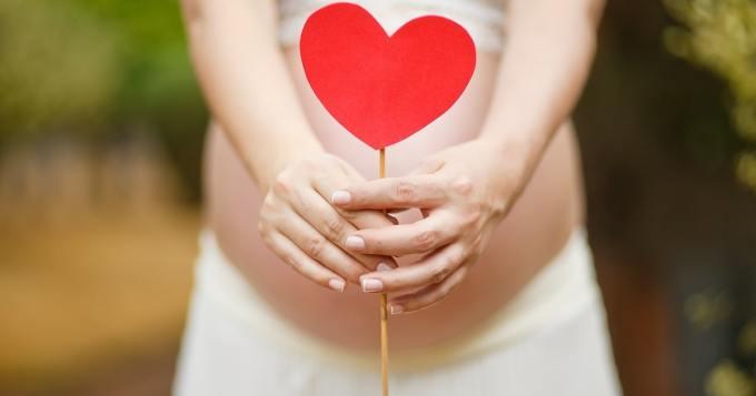 18-vuotiaan tasainen raskausvatsa hämmentää - voiko tällaista edes olla?