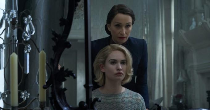 Netflix nyt: exän perintö kummittelee trillerissä Rebekka - romaanin aiemmasta filmatisoinnista vastasi Alfred Hitchcock