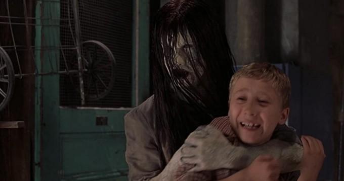 Tänään tv:stä: Scary Movie 3 parodioi leffoja kuten The Ring ja Signs