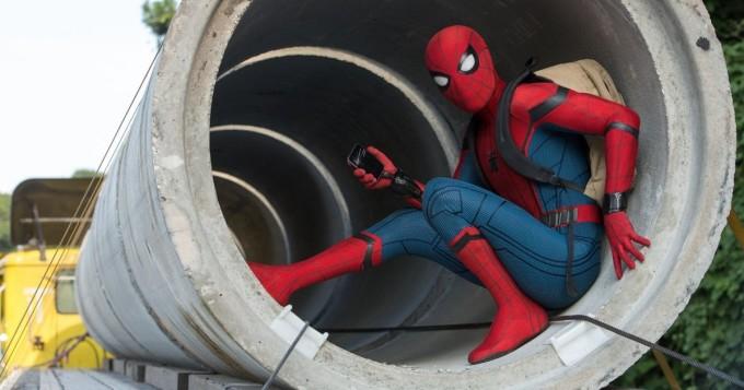 Hämähäkkimies haluaa todistaa kykynsä Tony Starkille Marvel-leffassa Spider-Man: Homecoming - Nelonen tänään