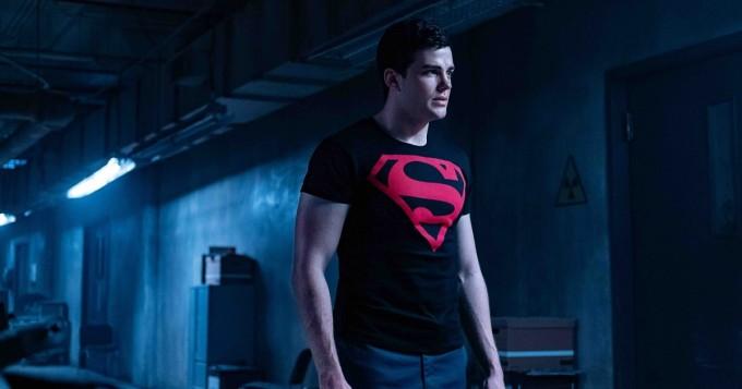 Tältä Titans-sarjan Conner (Superboy) eli näyttelijä Joshua Orpin näyttää Instagram-kuvissaan