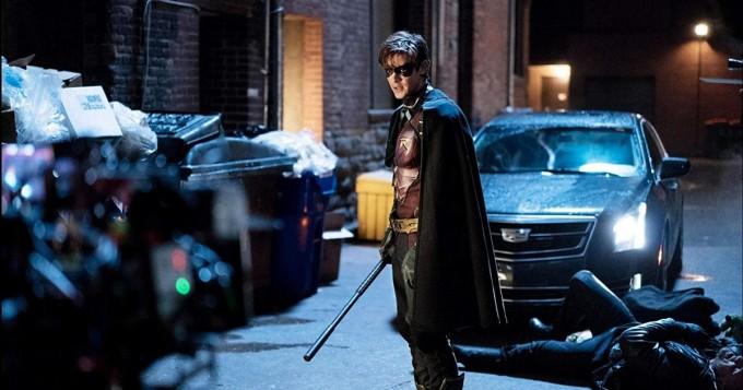Netflix kiinnitti uuden DC-supersankarisarjan Titans - Robin, Petopoika, Raven ja Tähtituli muodostavan oman ryhmänsä