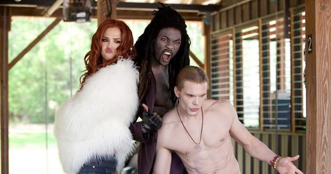 Tänään tv:ssä: Vampyyrien imussa on yksi kaikkien aikojen kehnoimmista leffoista?
