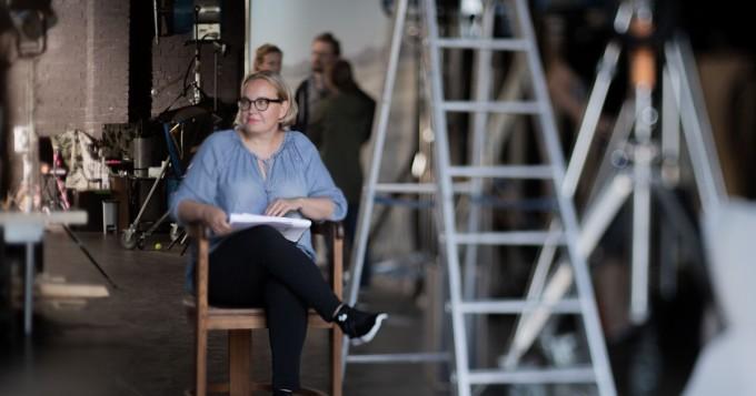 Saga Sarkola ja Mimosa Willamo tähdittävät Teemestarin kirja -romaaniin perustuvaa scifi-elokuvaa Veden vartija