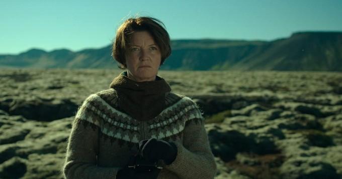 Viaplay nyt: ylistystä kerännyt islantilainen draamakomedia Woman at War katsottavissa