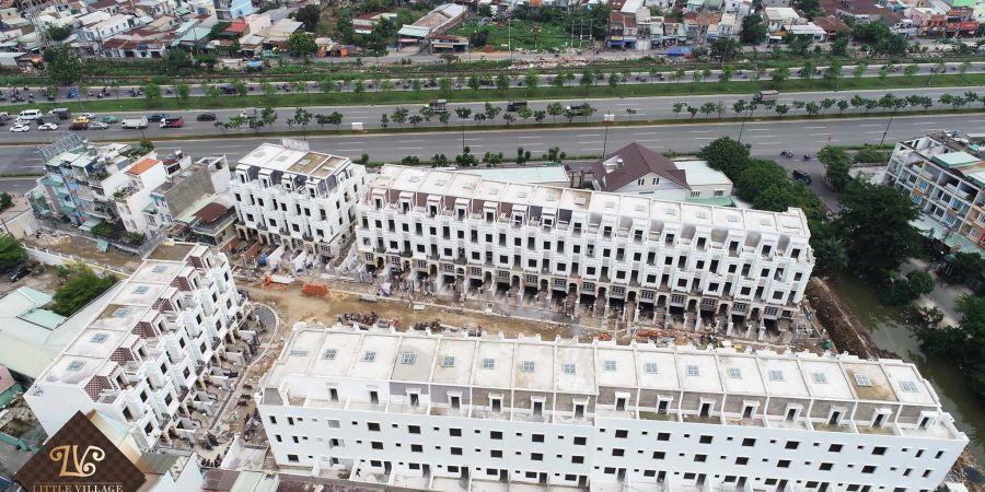 Tiến độ xây dựng nhà phố Little Village tháng 05/2018