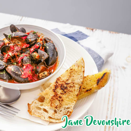 mussels-in-spicy-olive-and-tomato-sauce