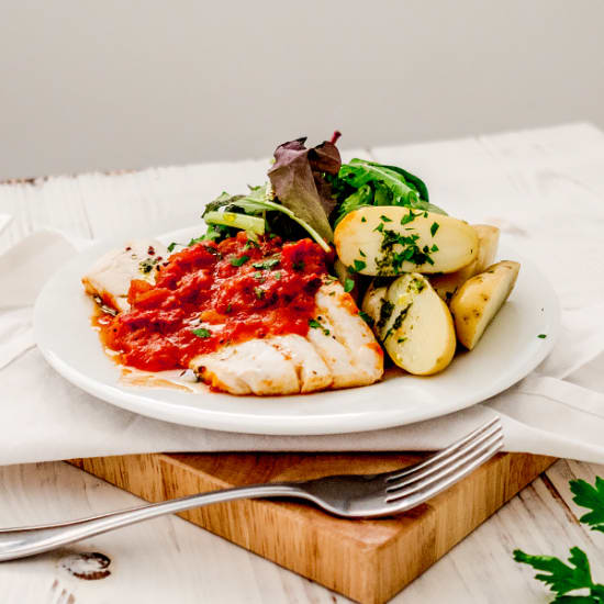 Whiting Baked in Spicy Tomato Sauce