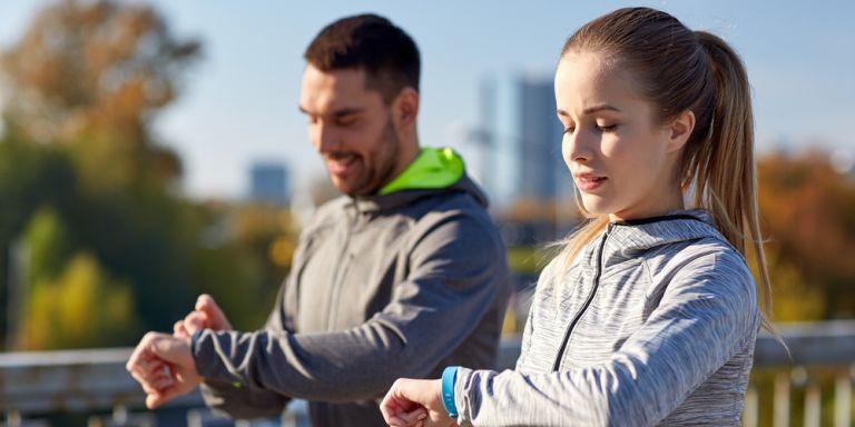 Top 5: Die besten Fitness-Armbänder 2017