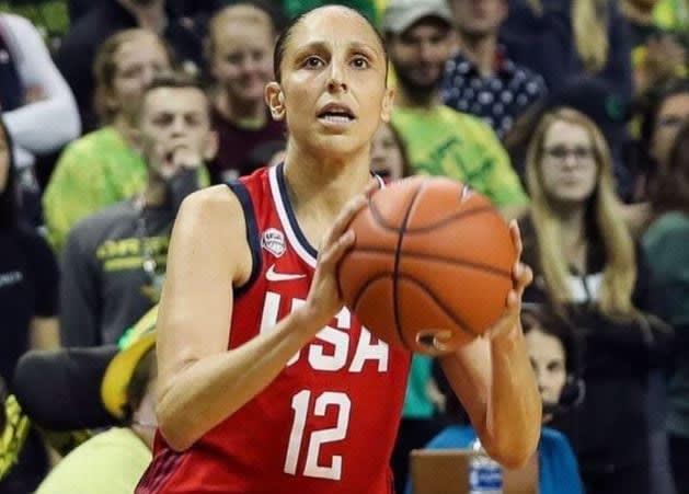The U.S. women's basketball team fell to the Oregon Ducks, 93-86, which has ESPN's Mechelle Voepel asking if it's a cause for concern for the national team.