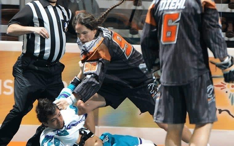 Bill O'Brien vs Stephen Keogh Lacrosse fight New England Black Wolves vs Rochester Knioghthawks Photo Credit Khoi Ton