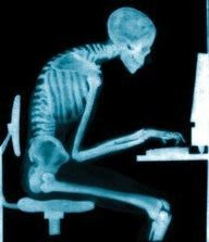 Skeleton-at-Desk