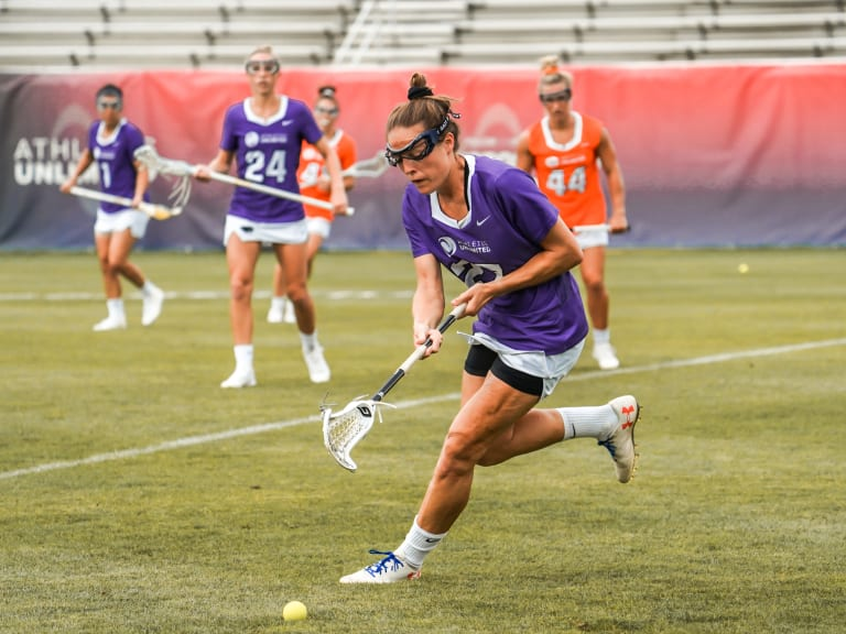Womens Pro Lax - Taylor Cummings Scoops up the Ground Ball Game 6