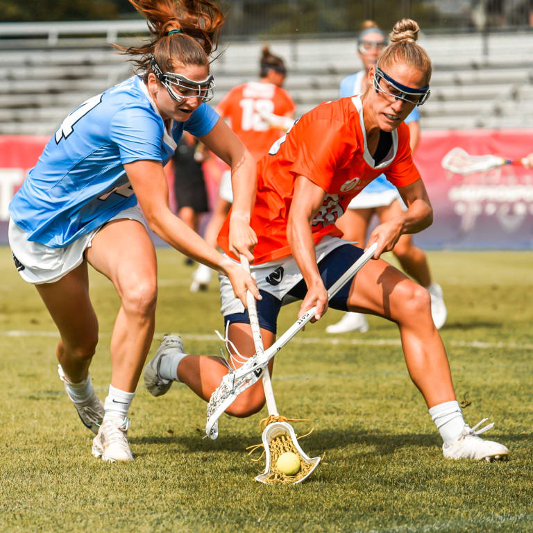womens pro - Sam Apuzzo and Becca Block Battle for the Ball Game 4