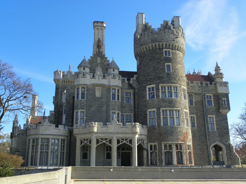 casa loma, top neighbourhoods in Toronto seniors, retiree communities in Toronto, where to retire in Toronto, retired, retirees, Toronto