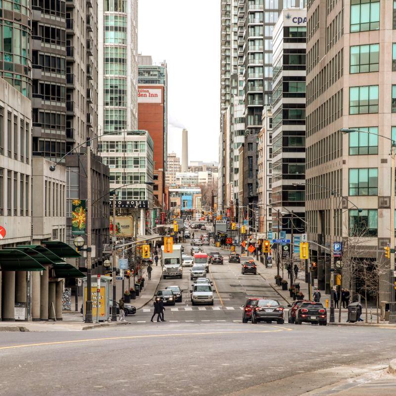 Toronto, downtown Toronto, Ontario, why to live in downtown Toronto, why to live in the suburbs, pros and cons to living downtown Toronto, pros and cons to living in Toronto, pros and cons to living in the suburbs, downtown vs the suburbs, pros to living downtown Toronto, top real estate agents in Toronto