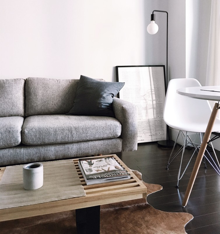 decorating tiny living room, what to do if you have a small living room, decorating small living room in Toronto