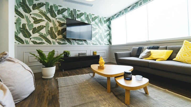 decorating a small living room in Toronto, how to decorate a small living room, living room decorating tips for a condo, tips for decorating small space