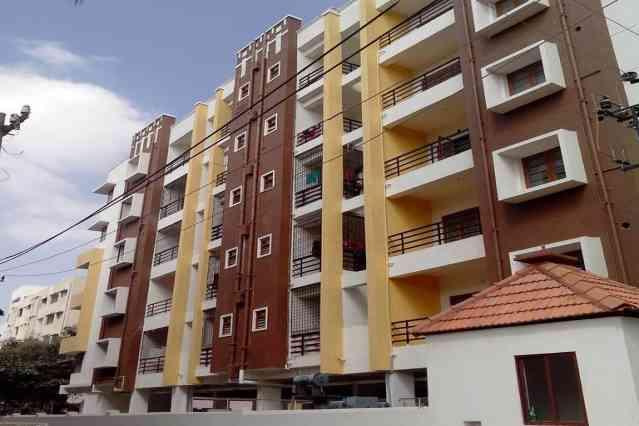 FlatGradings - 12 Square Apartment
