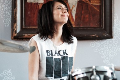 Musician and riot grrrl Kathleen Hanna � formerly of Bikini Kill and Le Tigre, now with The Julie Ruin � is the fascinating central figure in the biographical documentaryThe Punk Singer.