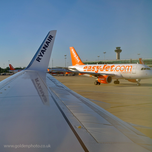 """Easyjet versus Ryanair"" stock image"