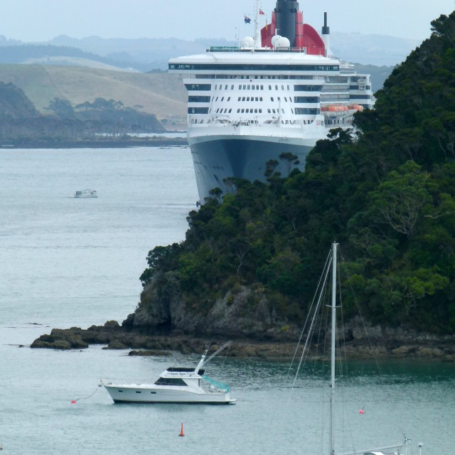 """""""Queen Mary 2 in NZ"""" stock image"""