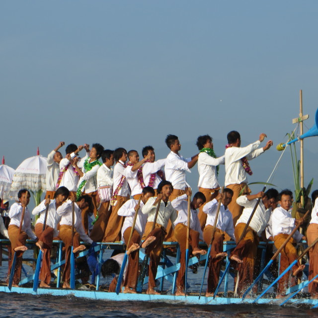 """Inle Lake leg rowers at the Bhudda procession"" stock image"