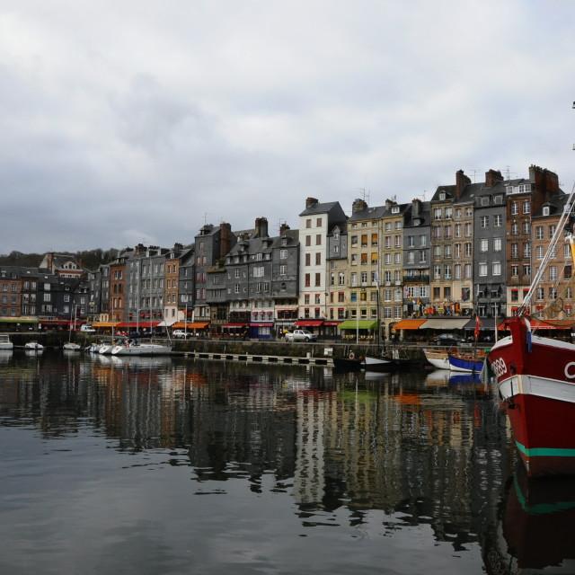 """""""Honfleur Vieux Bassin"""" stock image"""